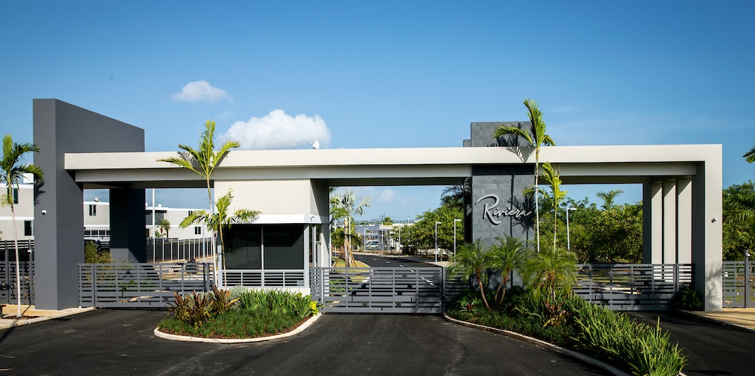 Riviera Entrance Photo